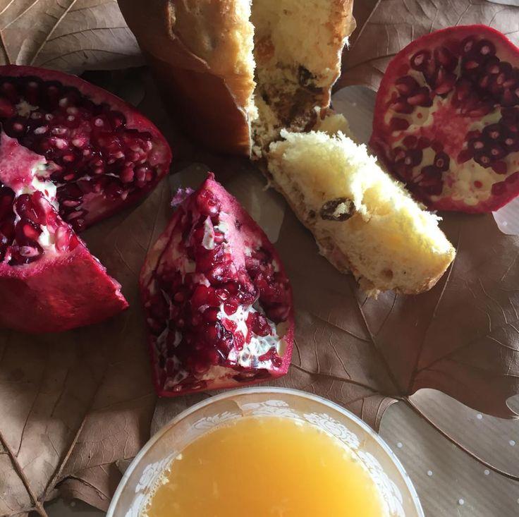 Bom Dia Outono 🍂🍁🍂 Pequeno Almoço, com: Sumo de Laranja, Romã e Panettone