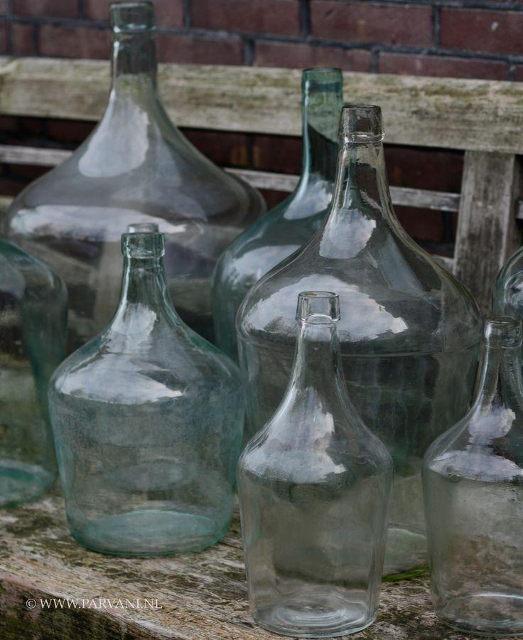 Parvani | Glazen-kruiken-oud-groen