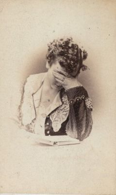 amy-addams: This victorian photo pretty much sums up how I feel now. Hopeless, and defeated.