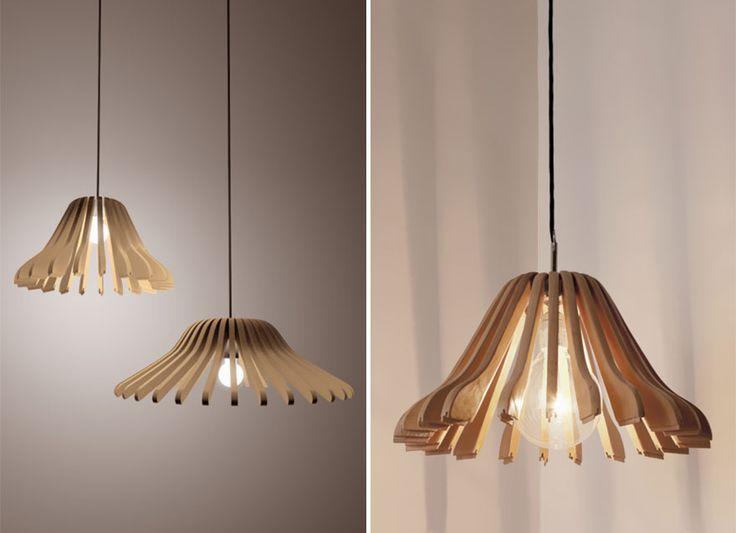 J'aime beaucoup cette création réalisée à partir de cintres en bois.