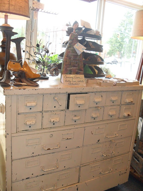 Shabby white drawers                  must love junk: Shopping Bonanza