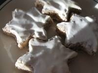 German Recipe for Cinnamon Star Christmas Cookies - Christmas Cookie Recipe for Zimtsterne zum Weihnachten Good recipe - doubled it for 3 cookie sheets full of stars
