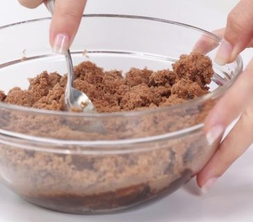 How to Soften Brown Sugar Quickly - totally works! Great stuff. I have thrown out the brown sugar bricks in the past...