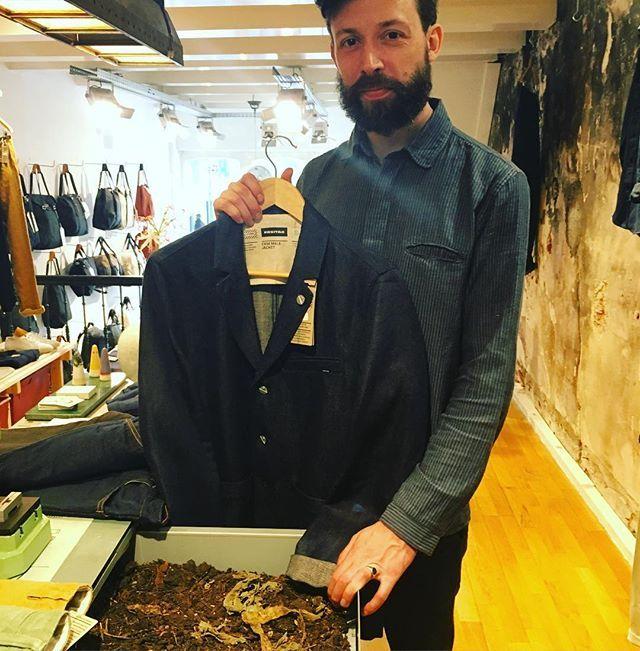 #Amsterdam steamer re-seller @sixandsons, displays decompressed #jeans from #hemp #brand @freitaglab. #amsterdamdenimdays #sustainable #fashion #sustainablefashion #thesteamery