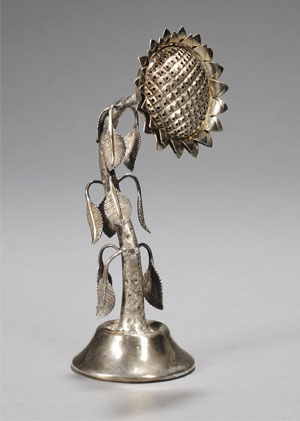 judaica auction | antique judaica | Skinner.     Russian Silver Sunflower-form Spice Container,