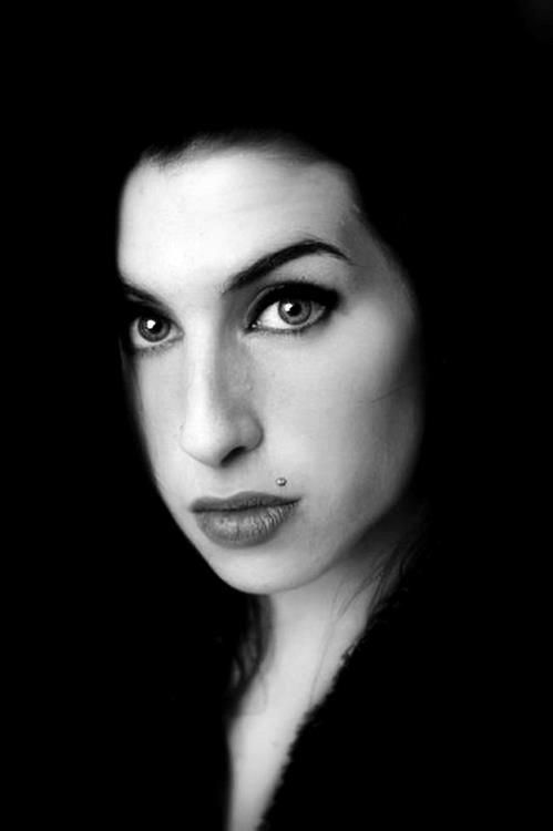 I miss her so much.. 9/14/1983 - 7/23/2011 RIP Amy Winehouse