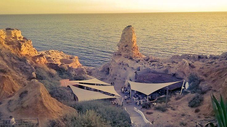 Hay decenas de lugares que visitar en el Algarve portugués, pero yo recomendaría estos 3 como imprescindibles.