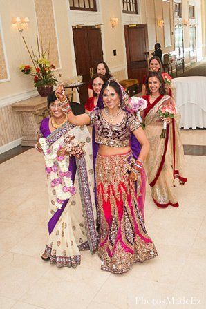 Indian Hindu Punjabi Wedding in Drexel Hill, PA Indian Wedding by PhotosMadeEz featured in Maharani Weddings.