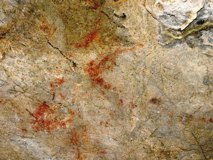 Antxieta Jakintza Taldea encontró en diciembre de 2014 un conjunto de pinturas rupestres en la cavidad de Danbolinzulo en Zestoa (Gipuzkoa), con una cronología estimada, a falta de un estudio más detallado, de 18.000 años e, incluso, apunta algún científico, pudieran remontarse hasta hace unos 33.000. Imag: taringa.-Artículo original:  © CURIOSÓN