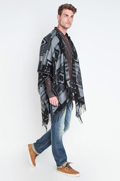1000 id es propos de poncho homme sur pinterest chapeau pour homme bonnets tricot s et. Black Bedroom Furniture Sets. Home Design Ideas