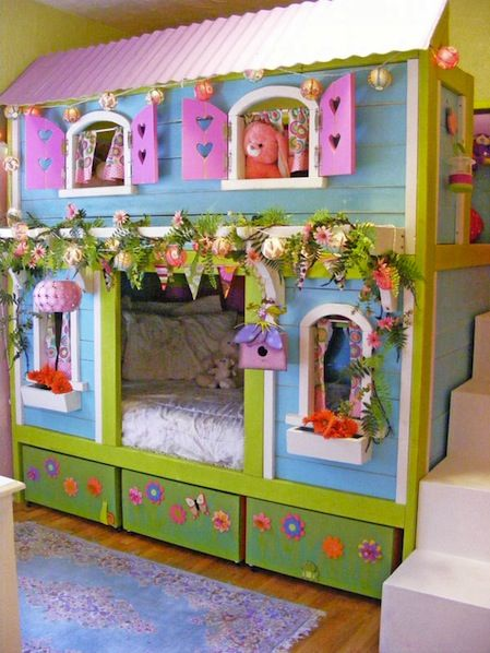 How-To: Sweet Pea Garden Bunk Bed. What an amazing bed for little girls, and a tutorial is included!