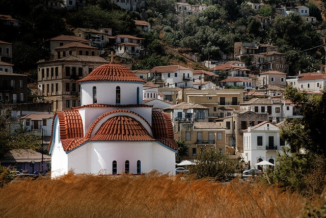 Little white church in Gytheio by mlazopoulou, via Flickr