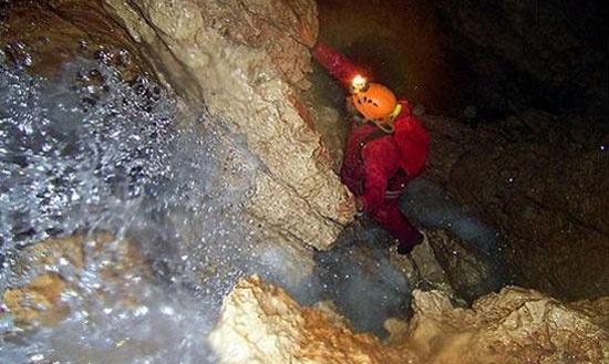 http://www.rajzazitku.cz/2-sportovni-zazitky/381-speleo-ferrata.htm