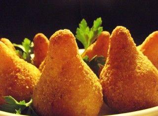 Coxinha: arancine di pollo brasiliane
