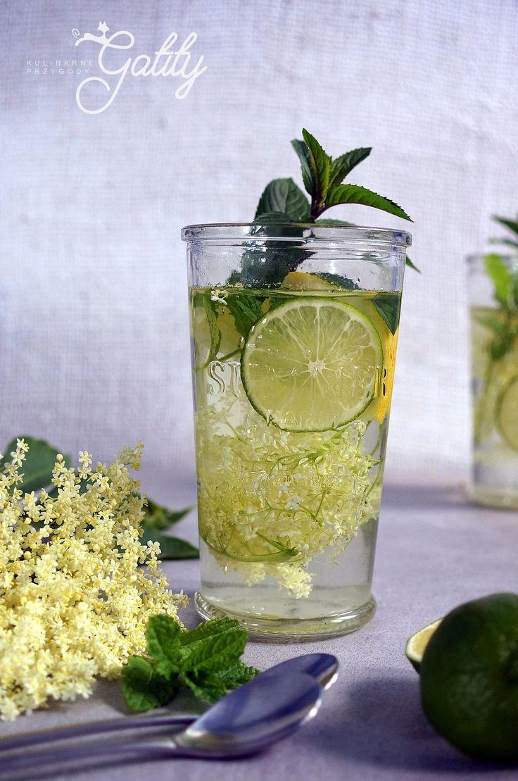 Kulinarne przygody Gatity - przepisy pełne smaku: Lemoniada z kwiatów czarnego bzu
