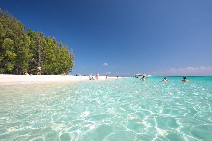 Baden auf Bamboo Island, Krabi Thailand http://www.kombiurlaub.eu/thailand  #krabi #kombiurlaub_thailand