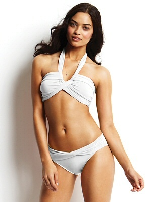 White #bandeau top with V-wire support. White low-rise bottom with twisted waistband detail in front by @A Whole Lotta Love Seafolly #Seafolly #Swimwear