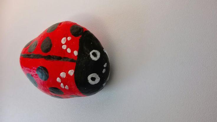 lieveheersbeestje : stenen schilderen