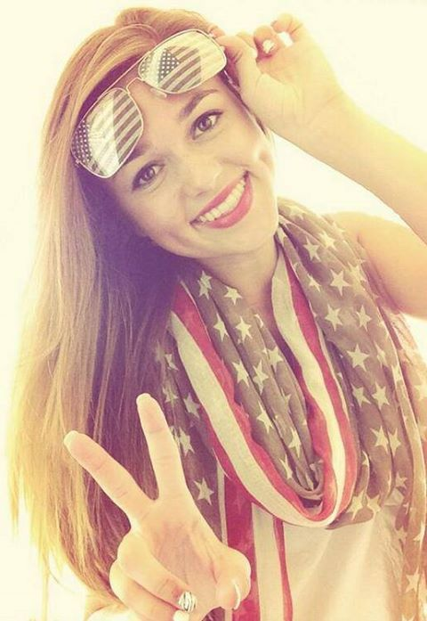 Duck Dynasty Sadie Robertson Bikini | Photo: How many LIKES for the beautiful Sadie?Want a brighter future ...