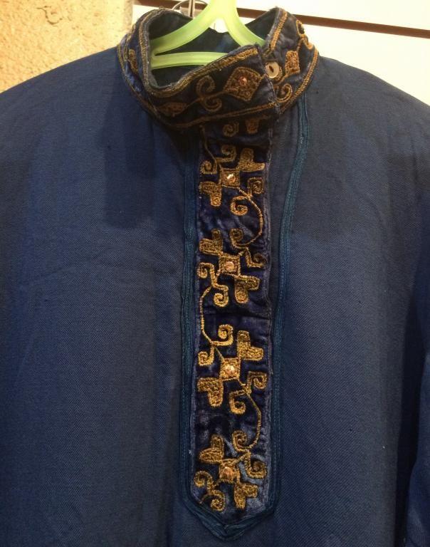 Рубаха старинная, вышита металлической нитью, мезенский район