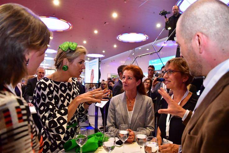 Koningin Máxima heeft maandag het derde congres van de European Academy of Neurology bijgewoond. Op het evenement, dat plaatsvindt in de RAI in Amsterdam, werd gesproken over diverse onderwerpen op het gebied van de neurologie.