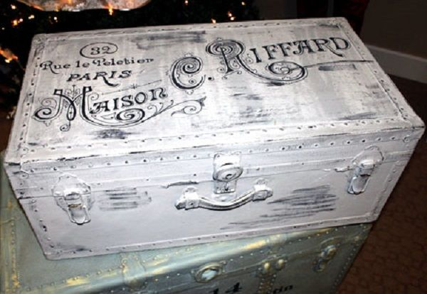18 DIY Vintage Luggage and Trunk Ideas - The Graphics Fairy