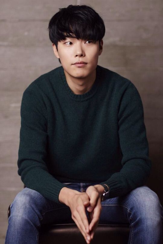 Ryu Jun Yeol #Reply1988 // So, I loved him as Jung Hwan and really cannot wait to see him in more dramas. Its so hard to believe this was his first role, he seems like such a seasoned actor ♥