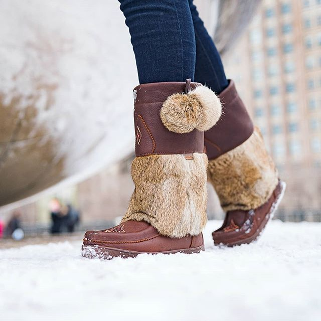 3aa2860bc02 Waterproof Snowy Owl Grain Leather in 2019 | Mukluks | Ugg clogs ...