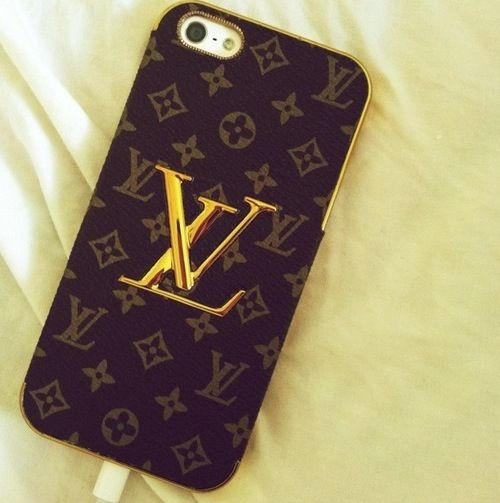 This Louis Vuitton phone case is adorable!! I want!!!  7f2e9791fef