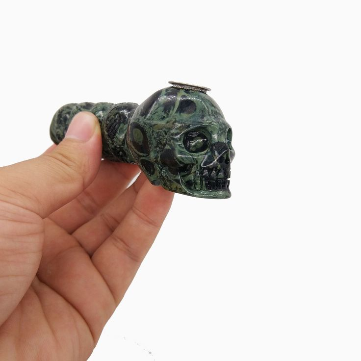 130g Hand Carving Crystal Smoking Pipe Unique Skull Shape Crystal Smoking Pipe For Sale Free Shipping