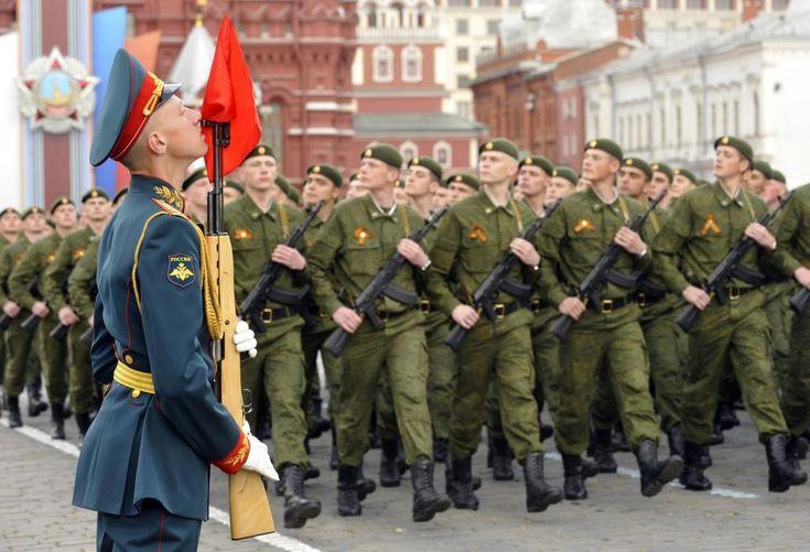 Rusia isi mobilizeaza armata! 38.000 de militari, 41 de nave, 15 submarine si 110 avioane - http://stireaexacta.ro/rusia-isi-mobilizeaza-armata-38-000-de-militari-41-de-nave-15-submarine-si-110-avioane/