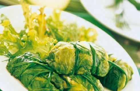 Siamo arrivati alla settima ricettavegana preparata con i prodottiInsal'Arte, insalate e verdure di IV gamma. Per questa ricetta ho voluto realizzare degli involtini con il tofu, sostituendo alla verza, dal sapore molto forte, la più delicata cuore di iceberg. Approfondimento Insal'Arte: Perché ci sono le goccioline nelle buste di insalata pronta all'uso anche nei banchi …