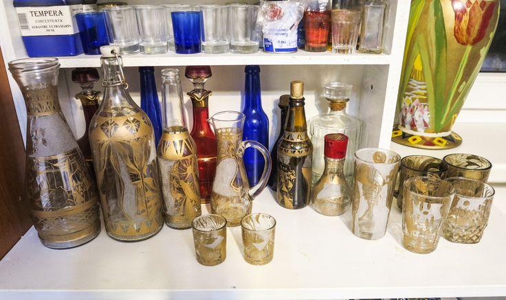 pahare si sticle gravate manual si culoare aurie