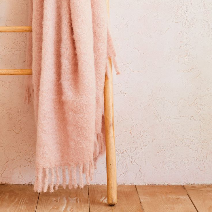 Image 1 of the product MOHAIR BLANKET WITH FRINGE