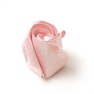 Kawasaki rose tutorial.: Paper Rose, Rose Flowers, Origami Instructions, Oragami Rose, Kawasaki Rose, Paper Flowers, Origami Rose, Rose Bud, Origami Flowers