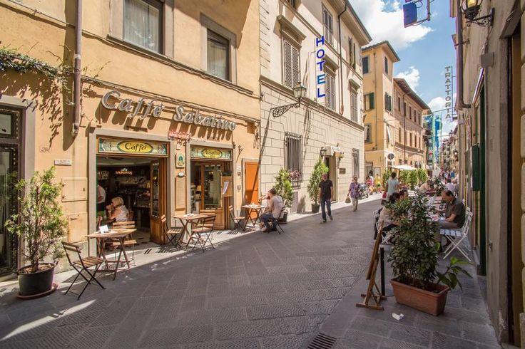 Italien, Firenze: I vidunderlige Firenze skal du også have et dejligt sted at bo - fx Hotel Nuova Italia, som er et lille, hyggeligt sted.
