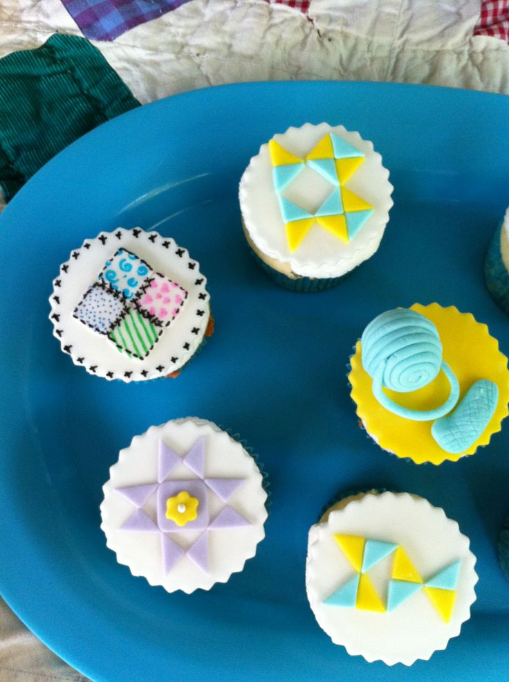 130 best Quilt/Knitting themed Cakes and Cookies images on ... : quilt cupcakes - Adamdwight.com