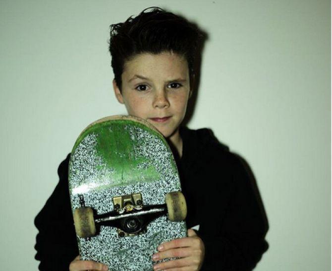 Prekvapil vianočným songom: Syna Beckhamovcov už prirovnávajú k Bieberovi | Diva.sk
