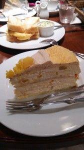 【ケーキが大きくて思わず目に留まる】HARBSのミルクレープ