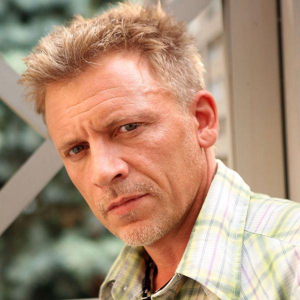 Callum Keith Rennie as Ray Steele