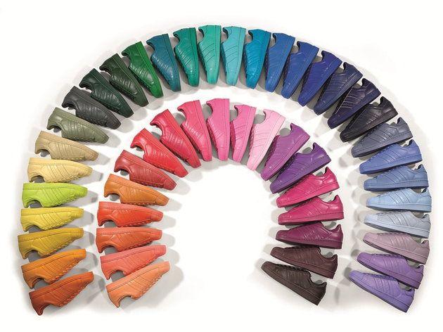 Kultowe sneakersy we wszystkich kolorach tęczy by Pharrell Williams  #sneakersy #buty #shoes #PharrelWilliams #colors #kolory