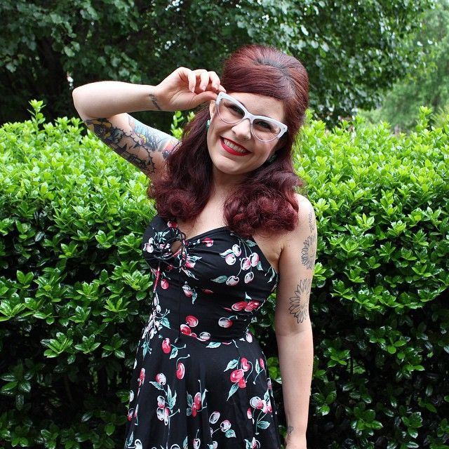 Amanda, The Modern June Cleaver, is to cute for words in the L'Amour Cherries Dress! #trashydivacherries #trashydivalamourdress