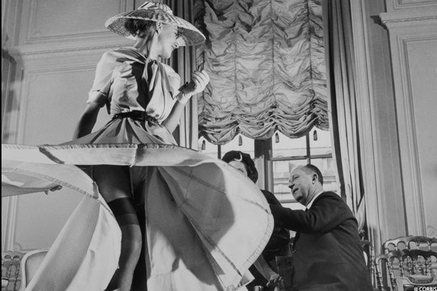 christian-dior-presente-sa-premiere-collection-corolle-et-invente-le-new-look-dior-en-1948-.jpg (630×420)
