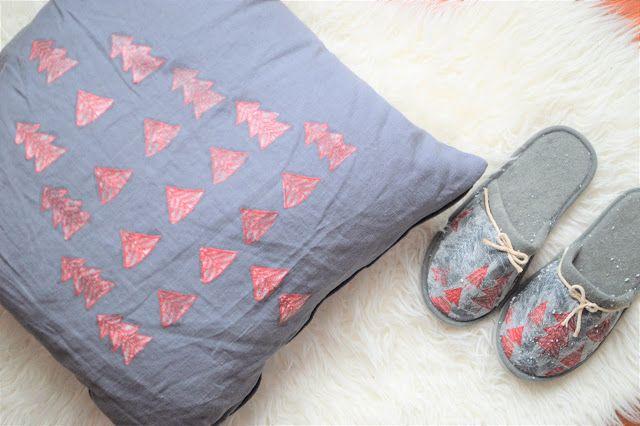 Con esta técnica ya no habrá textiles feos y aburridos. No te la pierdas! by @mi_silla_azulhttp://www.diariodeco.com/2017/12/navidad-handmade-con-decoupage-textil.html