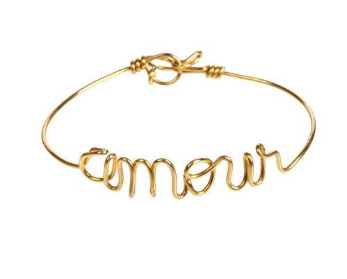 Le bracelet personnalisé Amour d'Atelier Paulin chez colette http://www.vogue.fr/joaillerie/le-bijou-du-jour/diaporama/le-bracelet-prnom-personnaliser-vogue-datelier-paulin/21475#le-bracelet-personnalis-datelier-paulin-chez-colette