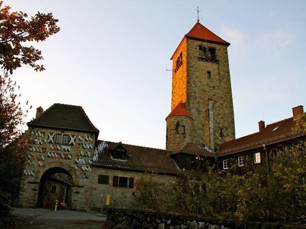 Burg mit Rundblick über die Rheinebene in Weinheim mieten   Eventlocation und Hochzeitslocation   location-mieten.com