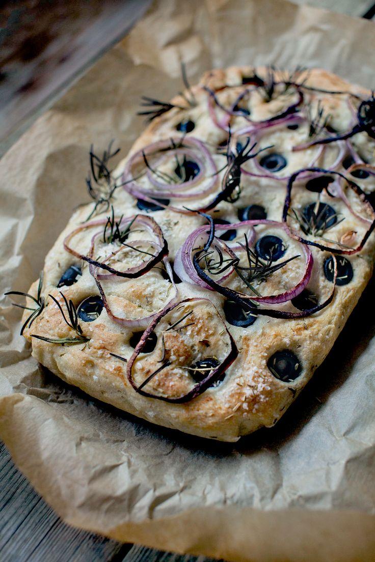 Stuffed focaccia -  http://honestmunchies.com/stuffed-black-olives-focaccia/
