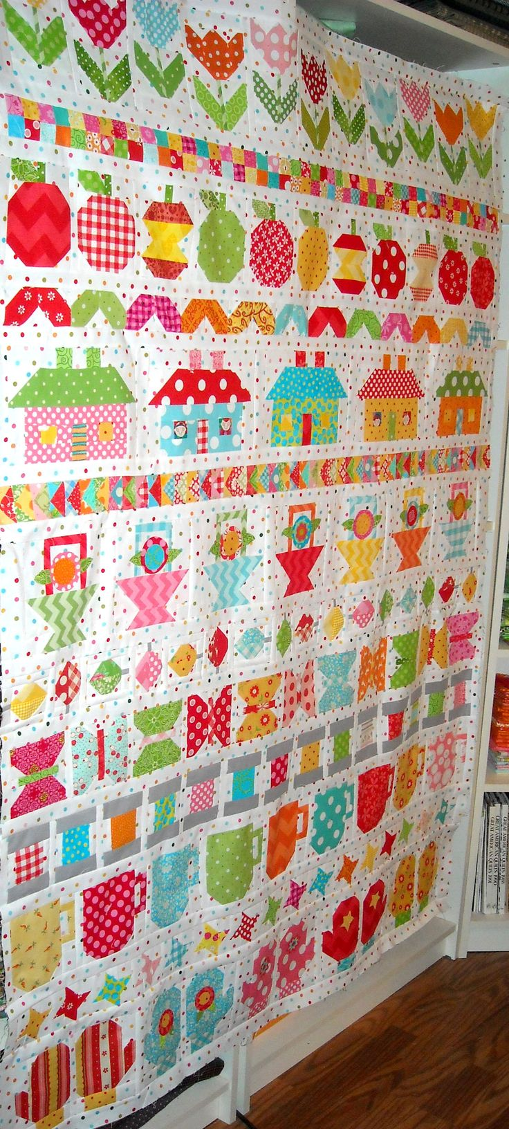 Row Along quit before borders ~ I absolutely LOVE this quilt ♥♥♥