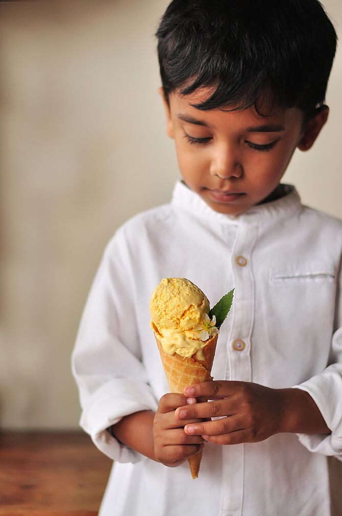 MANgo Icecream!!! Before the Mango Season completely gets over, here is the recipe of soft and creamy Mango Icecream made using KitchenAid India's Icecream maker. This is one awesome attachment worth owning.