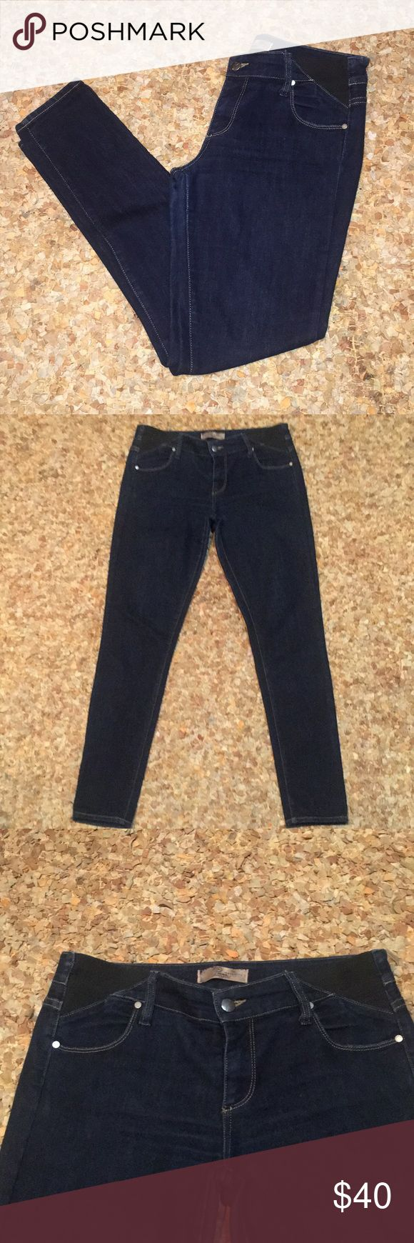 """Paige premium maternity skinny jeans 👖 29 These are in excellent condition. Paige premium denim, maternity, stretch panels at sides, Sz 29, dark wash, 73% cotton, 27% elasterell, made in USA, 30"""" inseam, 5"""" leg opening! Staple piece! Paige Jeans Jeans Skinny"""